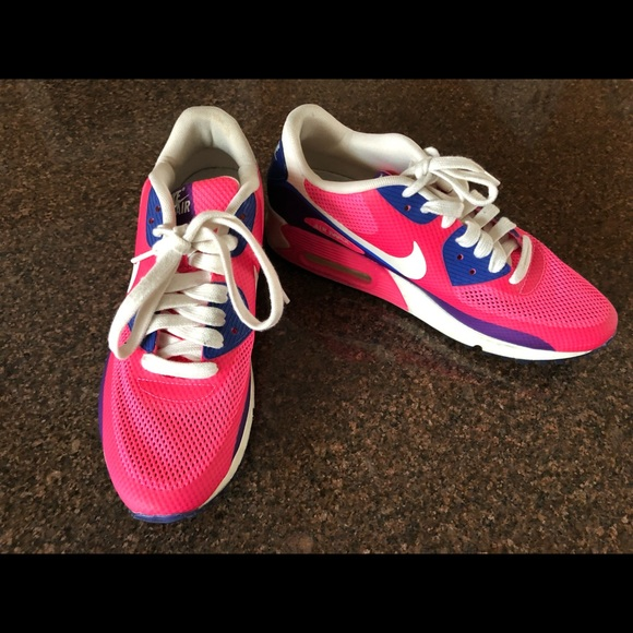buy popular f974d a5e4e NIKE AIR MAX 90 HYPERFUSE PINK SNEAKERS. M 5c70a01d819e90ecef0aee96